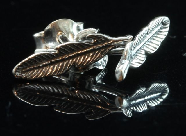 Silver Feather Stud Earrings 2