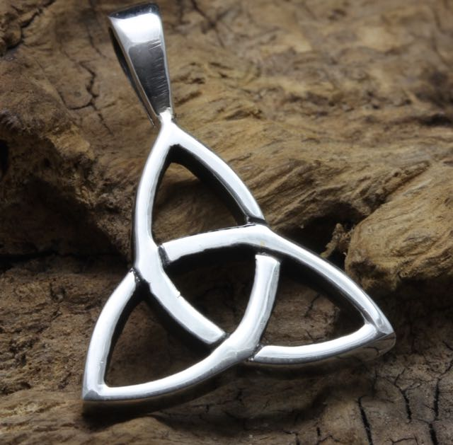 Sterling Silver Celtic Knot Design Pendant 2